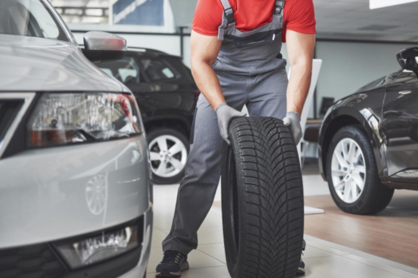 Reifenmechaniker